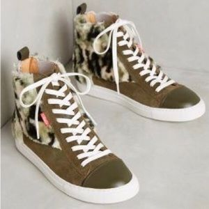 Shoes - High Top Lace Up Camouflage Faux Fur Sneaker